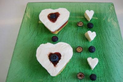 dessert san valentino - cuori di panna cotta